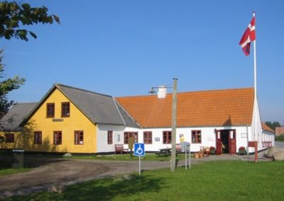 Tornby gamle købmandsgård
